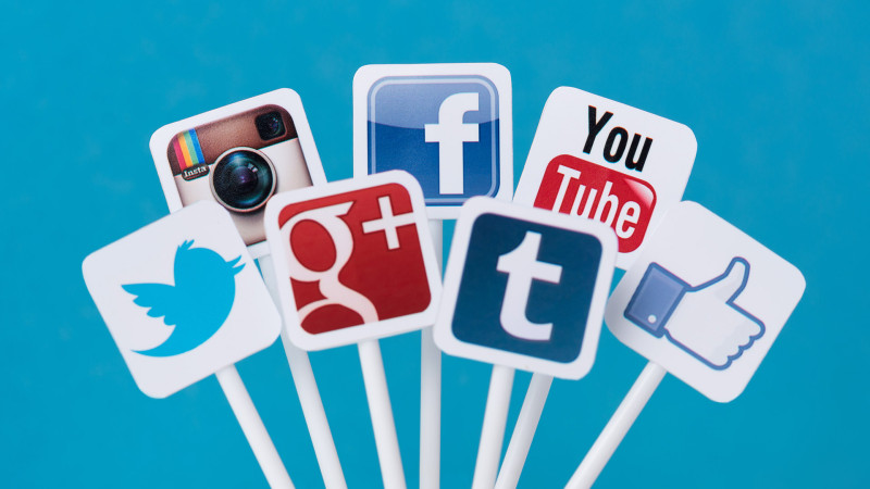 Social Sharing and Bookmarking